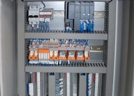 Монтаж панелей електрошаф